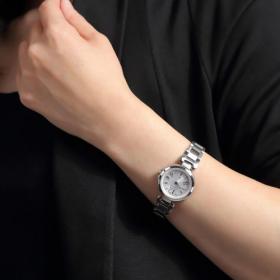 「つけない派」が6割以上!女性の「今どき腕時計事情」を調査…つけるorつけない理由は?