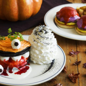 Eggs'n Thingsのハロウィン限定パンケーキがコワ可愛い!
