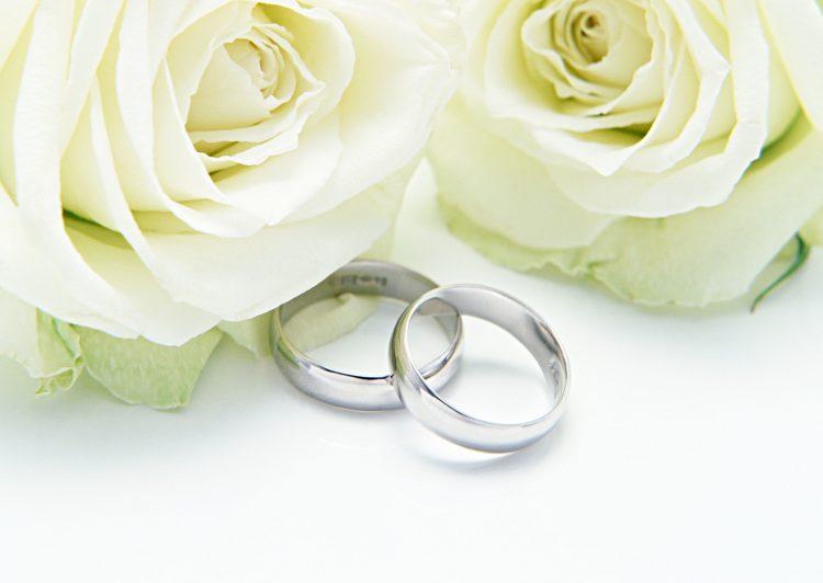 つけない派がなんと半数!既婚女性378人に聞いた「結婚指輪」つけるorつけない派?理由はなぜ?