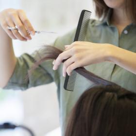 脱・髪型迷子!「いつも髪型がしっくりこない」アラフォー女性がやってしまっている失敗オーダーって…