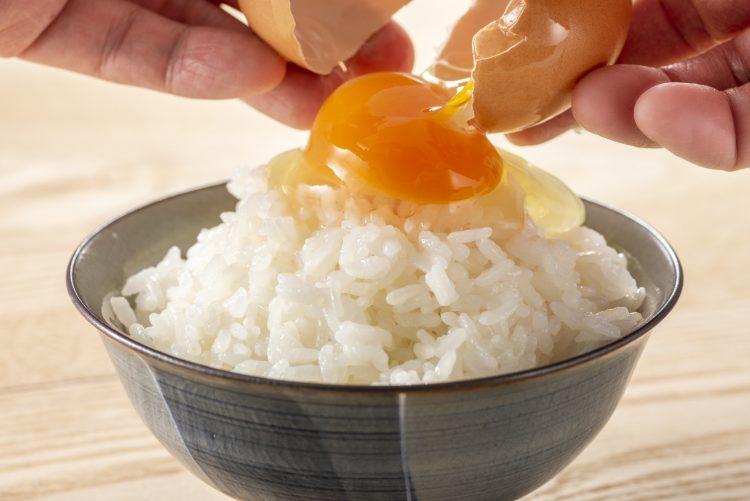 みんなのTKGアレンジがスゴイ!すぐ食べたい「卵かけご飯のレシピ」洋風にエスニック風も