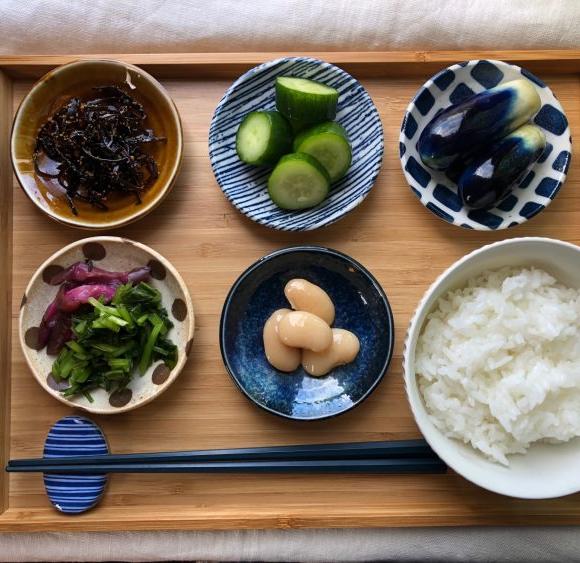 検証!「ニトリ」のおすすめ 和テイスト食器、 どれだけ日々の食卓に使える?