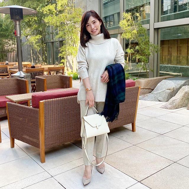 冬を楽しむ「白コーデ」!オトナの着こなしを大調査【kufuraファッション調査隊】