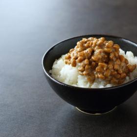 「納豆ごはんに足すと美味しいもの」…ちょい足しでもっと最高!みんながハマっているものは
