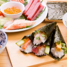 具材選びが楽しくなる!「変わり種手巻き寿司」真似したくなる美味しいアイディア続々