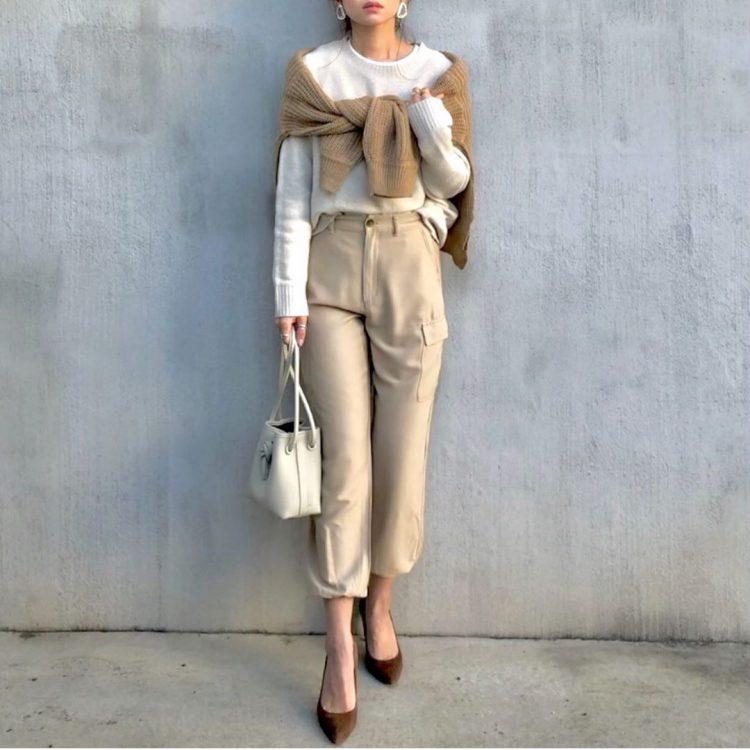 流行の「バケツバッグ」を大人が持つと…「VASIC」から「しまむら」まで【kufuraファッション調査隊】