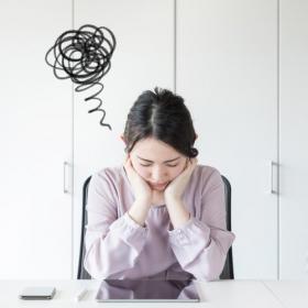 なぜか女性社員が担当している「名もなき雑務」…4位は「おみやげ配り」1位は?