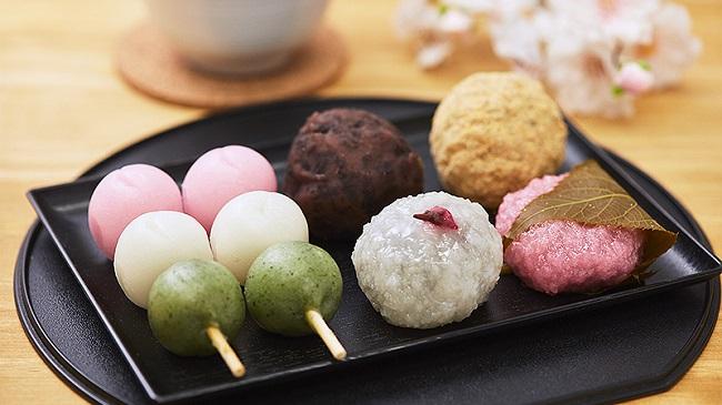 ローソンストア100で隠れた人気「和菓子」に春の新作が続々登場!