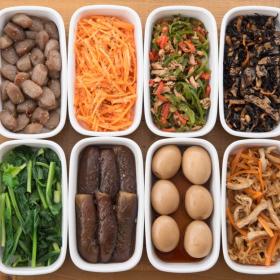 たくさん作っておけば毎食のご飯作りがラクに!食卓に並ぶと家族が喜ぶ「作り置きレシピ」