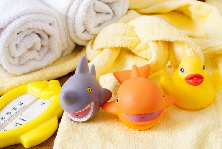 買ってよかった「お風呂のおもちゃ」子どもがすすんで入ってくれて大助かりだったのは…