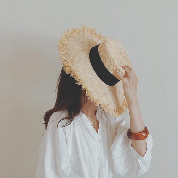 「麦わら帽子」で旅気分!この夏の大人のセレクトは?【kufuraファッション調査隊】