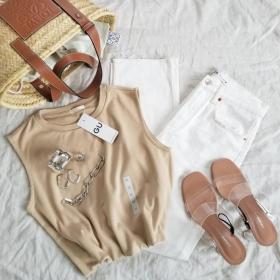 GU・UNIQLO・ZARA…オトナの「夏デニム」色やかたちは何を選ぶ?【kufuraファッション調査隊】
