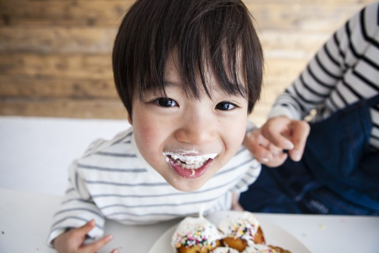 親にとっては懐かしい〜!子どもが喜んで食べた「昔ながらの手作りおやつ」を調査