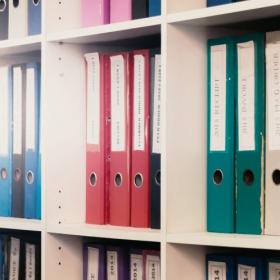 無印にセリア…人気の「書類収納」アイテムは?達人の書類収納&整理術を拝見【kufura収納調査隊】vol.83