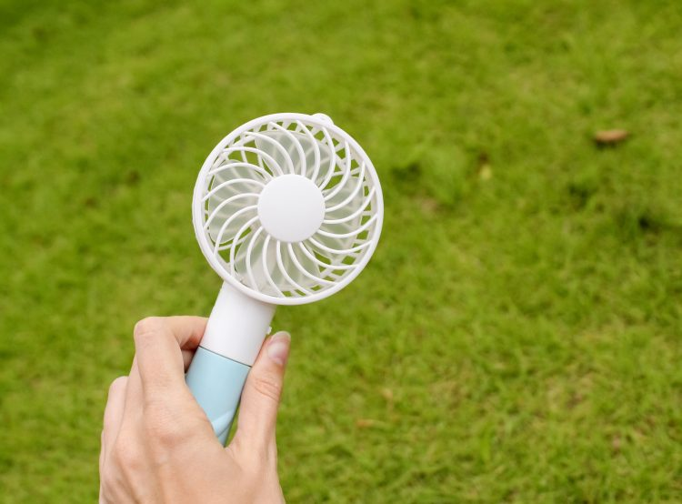 ママたちの経験談!夏に子どもと外出するときに持っていて役立った暑さ対策グッズ