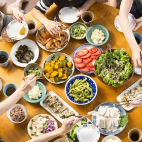 教えてあなたの晩ご飯!「品数は何品?栄養バランスはどう工夫?」主婦231人に聞きました