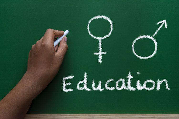 悩ましい「家庭での性教育」…子育て家庭ではどんなことを教えてる?