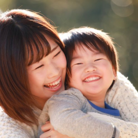 思春期になった親子を助ける!「スキンシップは大人から」のすすめ【井桁容子先生の「子どもの不安」に寄り添う育児】#2