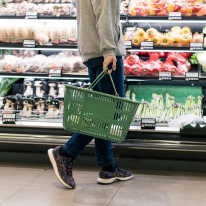 レジ袋が有料になった今!エコバッグを使わない派の人たちは代わりに何を使ってる?その理由は…
