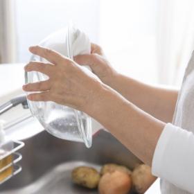 「食器用ふきん」いつ洗う?つけ置き洗いvs洗濯機、多かったのは…主婦305人に調査