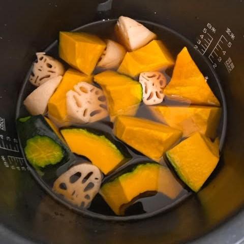 シロカ 電気圧力鍋 かぼちゃとれんこんの煮物