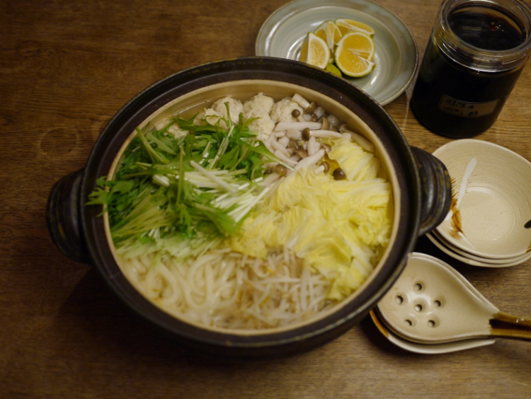 我が家の鍋は母から受け継いだ「水炊き」一択。麺を入れるタイミングは…【お米農家のヨメごはん#40】