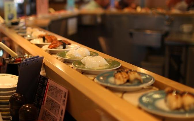 定番vs変わり種!子どもが好きな回転寿司の「人気ネタ」ランキング