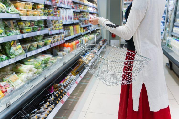 袋詰めにアタフタ、買い物量をセーブ…レジ袋有料化で「コンビニ利用」はどう変わった?