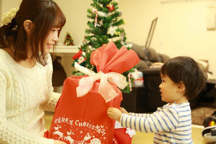 コロナ禍のクリスマス、どう過ごす?「自宅で家族だけで」過ごす人が最多に
