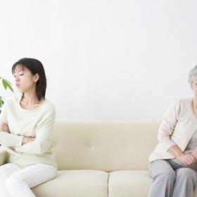 こうしてストレスを減らした!「義理の実家と距離をおいた方法」既婚女性141人に聞きました