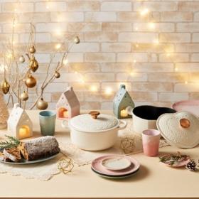 ル・クルーゼの「クリスマス コレクション」はレースがモチーフのエレガントなデザイン!11/18より期間限定発売