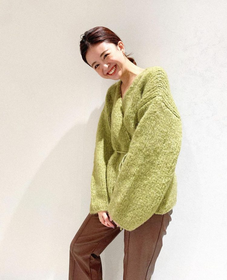 「きれい色ニット」で冬を楽しく!オトナの色選びは?【kufuraファッション調査隊】