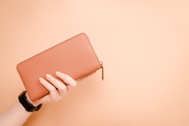 長財布派が多数!長財布派orミニ財布派、どちらが多い?それぞれの財布のメリットとデメリットも
