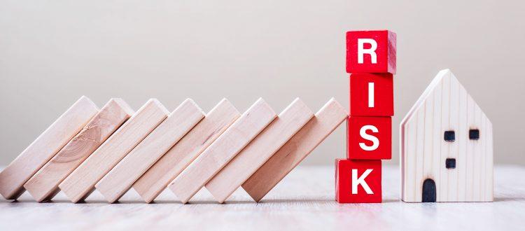 「リスクヘッジ」の意味は?「リスクマネジメント」との違いも解説【あらためて知りたい頻出ビジネス用語#44】