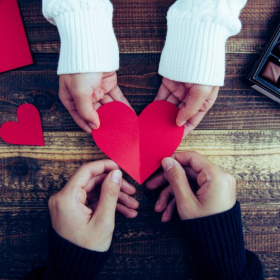 男性500人の「貰って嬉しかったバレンタインの贈り物」を調査したら、意外な反応が…