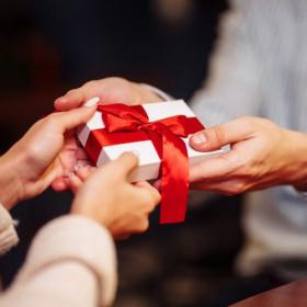 夫に「バレンタインの贈り物」をする妻はどのくらい?夫婦間のバレンタイン事情を調査!