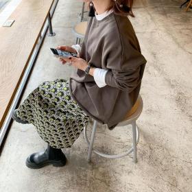 流行ってるけど似合う?大人の「柄スカート&パンツ」を大調査【kufuraファッション調査隊】