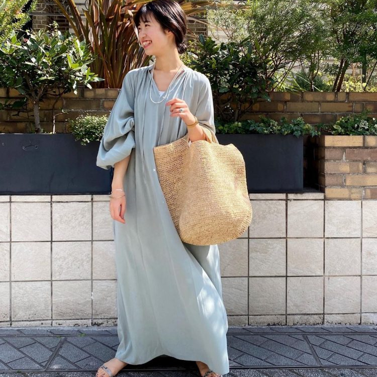 大人のこなれ「春ワンピ」春色からスウェットまで大調査【kufuraファッション調査隊】