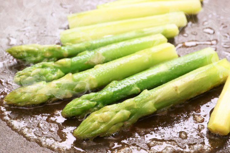 春からが旬!「アスパラガス」巻いて、炒めて、揚げて…家族が喜んだレシピを集めました