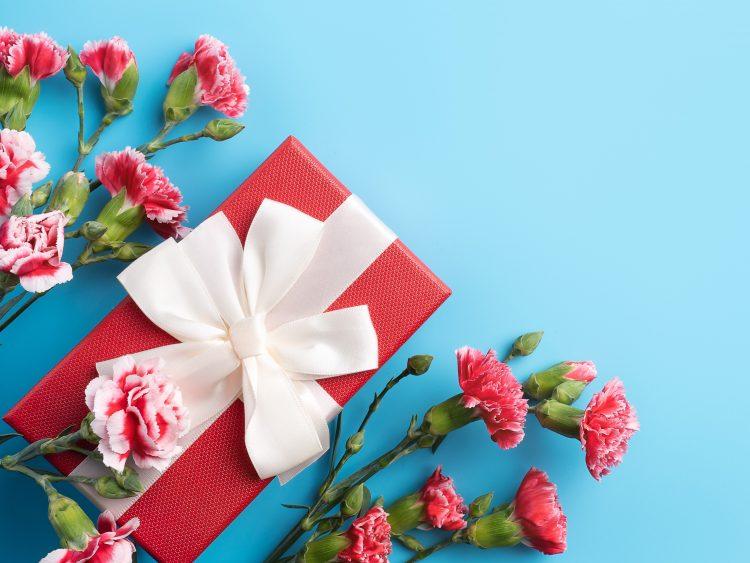今年の母の日は5月9日!タイミングや喜ばれるアイテムなど知っておきたいプレゼントのマナー