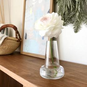いちばんお花を綺麗にみせてくれる花瓶!生け花歴6年の私がフローラを愛する理由【本日のお気に入り】