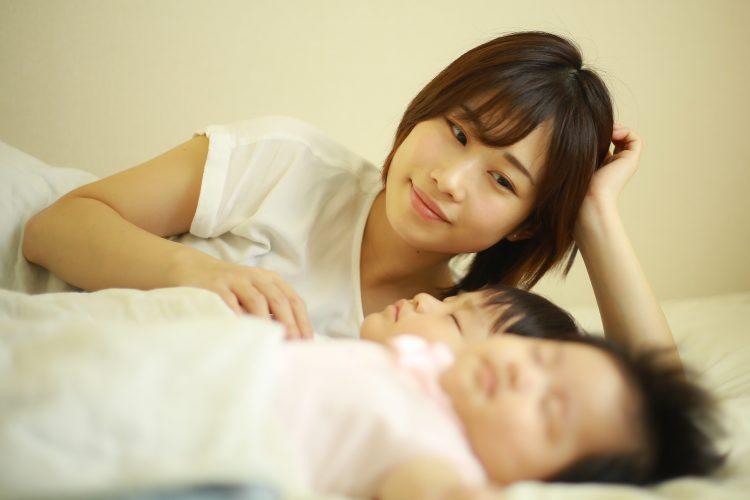 これがあるから明日も頑張れる!子どもが寝たあとのママたちの夜の楽しみTOP10