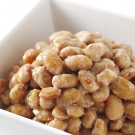 あっという間にペロリ完食!納豆に加えると子どもが喜ぶ食材&調味料