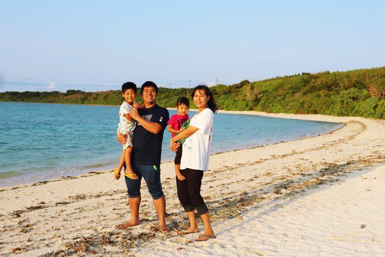 夫の赴任で、家族で竹富島へ。島生活で見つけた家族の変化とは【竹富島で暮らす人々#1前編】