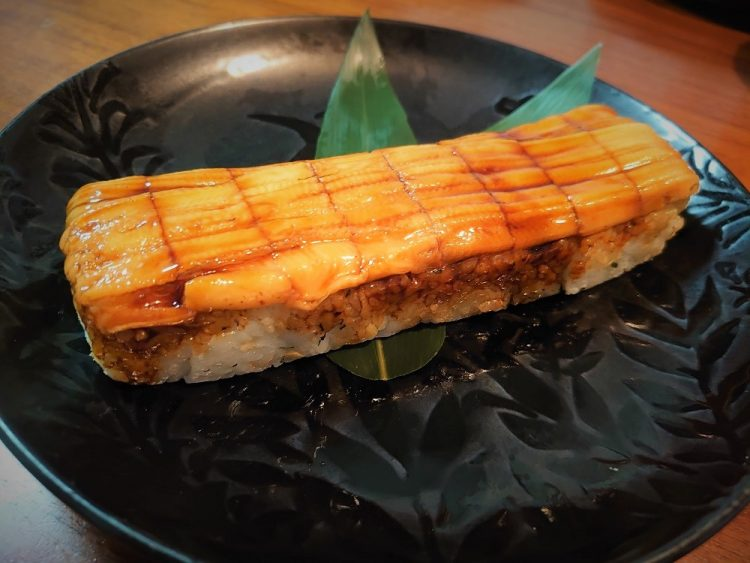 分厚いネタに大満足!デパ地下・中島水産「押し寿司」のコスパがすごい【本日のお気に入り】