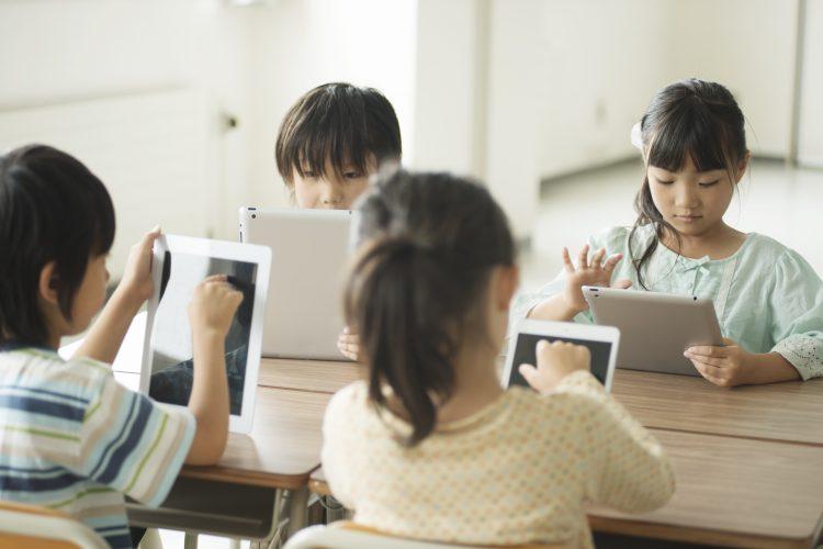 学校から「学習用タブレット・PC」は配られた?現時点での悩みは?小学生ママに調査