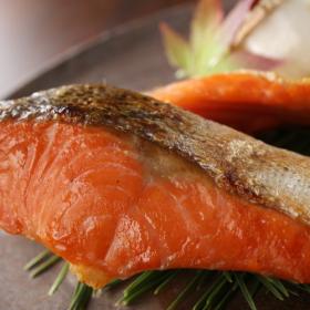 旬の「秋鮭」をもっと美味しく!家族が喜んだレシピを集めました
