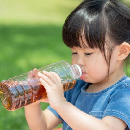 10時間で菌が約3倍のデータも!「飲みかけのペットボトル」…夏の定番、麦茶も要注意です