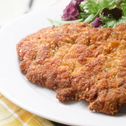 衣カリッ、お肉はジューシーで最高!豚肉で作る絶品「ミラノ風カツレツ」【プロが教えるおうちイタリアン#13】