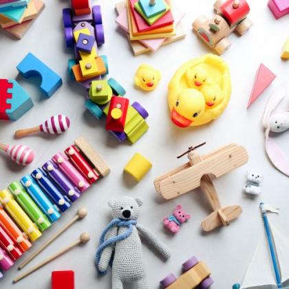 「おもちゃがどんどん増える」のどうしてる?うまくおもちゃとサヨナラしてもらう方法も…